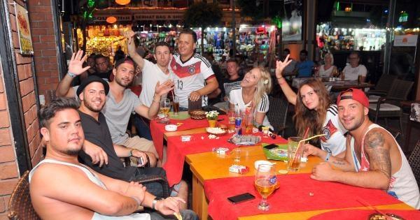 Alman Turistler Kupa Sevincini Ekran Başında Yaşadı