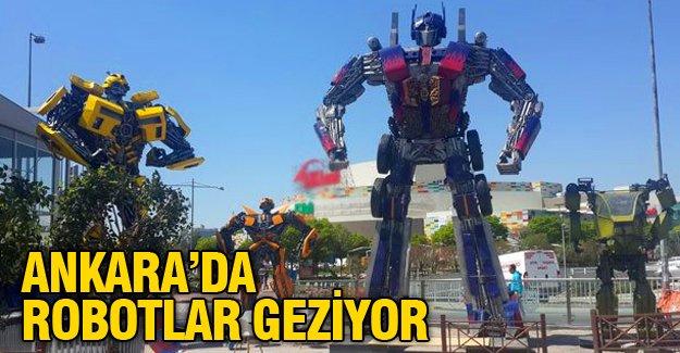 Ankara'da kavşaktan sonra AVM önüne de robotlar dikildi