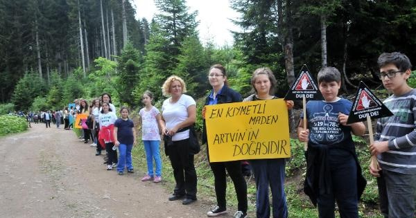 Artvin Cerattepe'de 1.5 Kilometrelik İnsan Zinciri