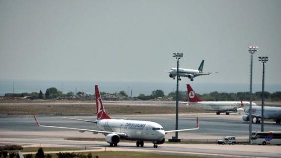Atatürk Havalimanı'nda bütün kalkışlar durduruldu