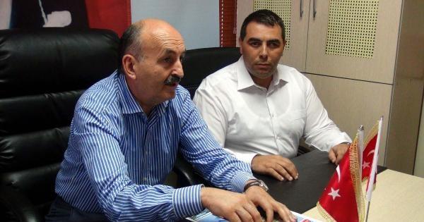 Bakan Müezzinoğlu, Sokakta İftar Yaptı, Şehitlikte Teravih Kıldı