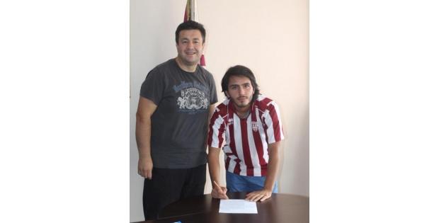 Bandırmaspor Onur Karakabak'la İmzaladi (yeniden)