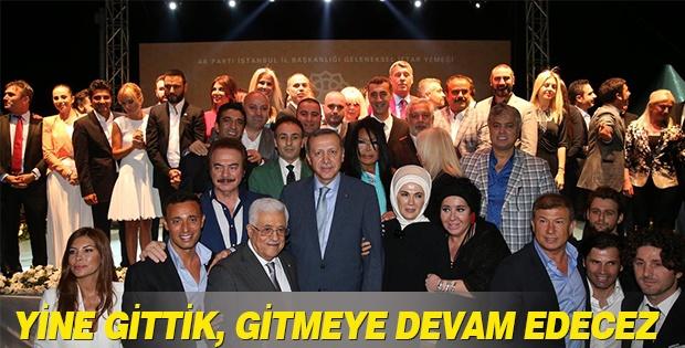 Başbakan Erdoğan ünlülerle fotoğraf çektirdi