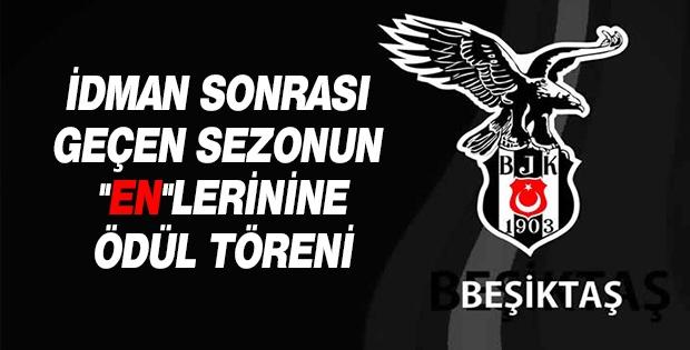 Beşiktaş'ın Akşam Antrenmanında Ödül Töreni Düzenlendi