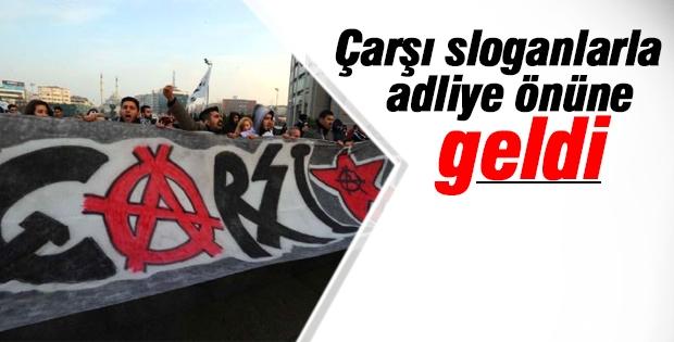 Beşiktaş'ın taraftar grubu adliye önünde
