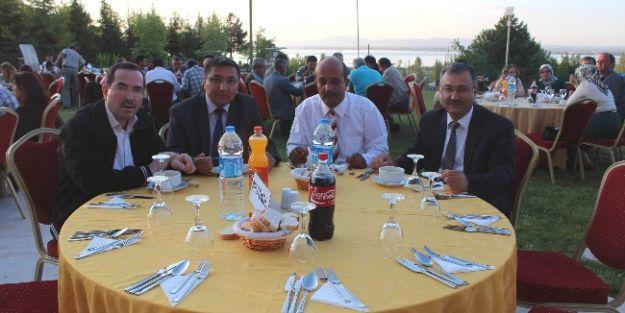 Beyşehir'de Tapu Ve Kadastro Çalışanları Yemekte Buluştu