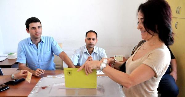 Bodrum'da Gurbetçiler Oy Kullanmaya Başladı