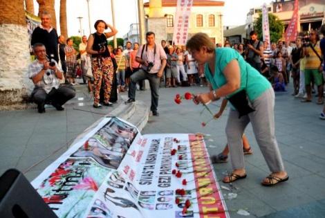 Bodrum'da Madımak Olayları Türkülerle Anıldı