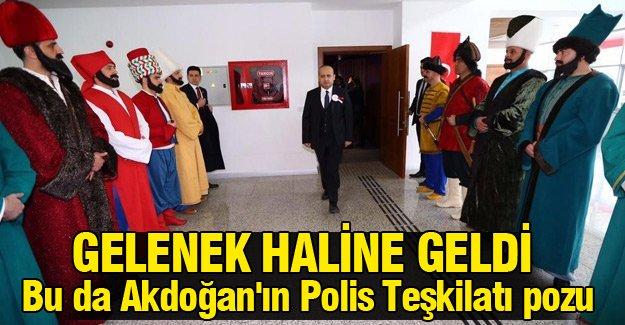 Bu da Yalçın Akdoğan'ın Polis teşkilatı pozu