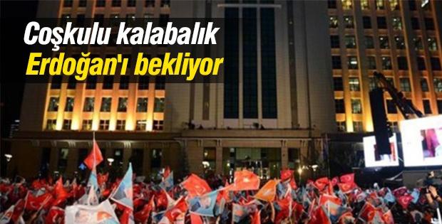 Coşkulu kalabalık Erdoğan'ı bekliyor