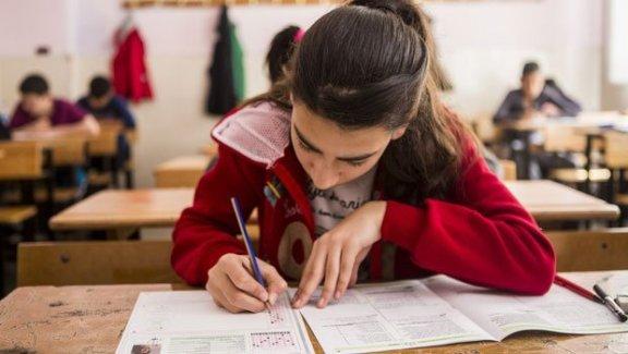 Devletten özel okul parası alma şartı değişti