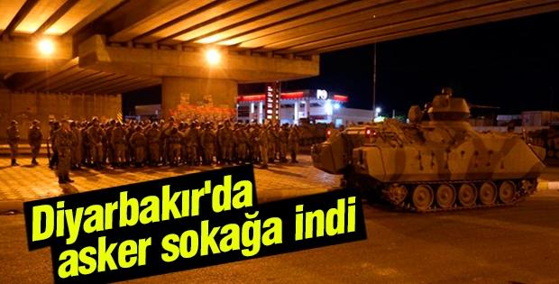 Diyarbakır'da asker sokağa indi