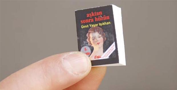 Dünyanın En Küçük Kitabı Ve En Hafif Kağıdı İzmir'de Sergileniyor