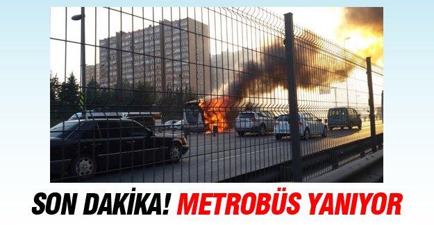 E-5'te Metrobüs yanıyor