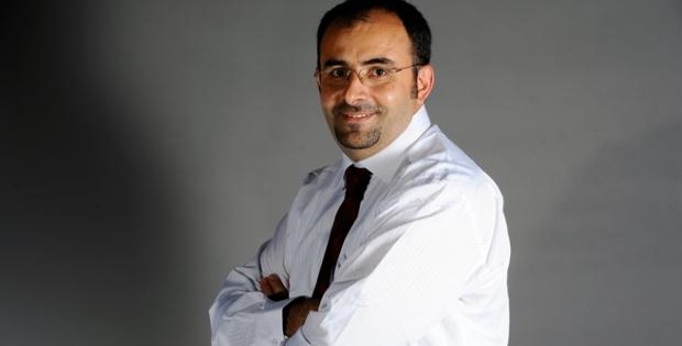 Emre Uslu; Türk bayrağını indiren PKK'lıyı yakalayan polis gözaltında