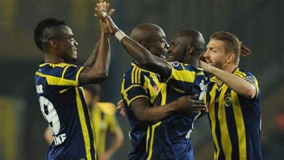 Fenerbahçe yeniden lider!