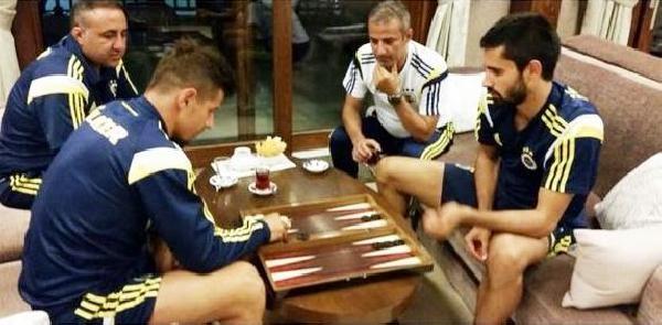 Fenerbahçeli Futbolcuların Tavla Keyfi