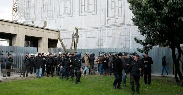 FLAŞ! İstanbul Üniversitesi birbirine girdi!