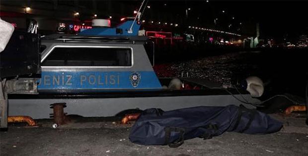 Galata Köprüsü'nün altından kadın cesedi çıktı