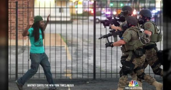 Göstericilere Aşırı Şiddet Kullanan Abd Polisi Şimdi Taktik Değiştirdi