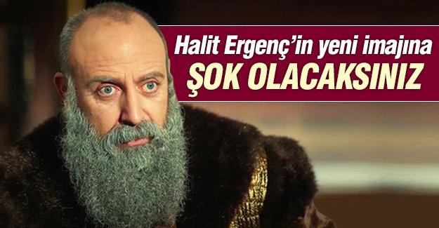Halit Ergenç yeni imajıyla şaşırttı!