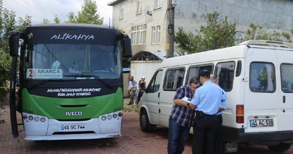 Halk Otobüsü Şoförü, Yol Tartışmasında Minibüs Şoförünü Tabanca İle Öldürdü