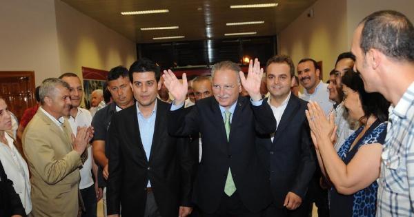 İhsanoğlu Antalya'da Meşalelerle Karşılandı