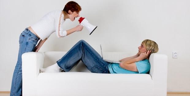 İlişkinize Zarar Verebilecek 10 Kötü Alışkanlık
