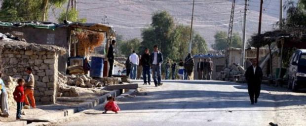 Irak savaş uçakları, Mahmur çevresini bombalıyor
