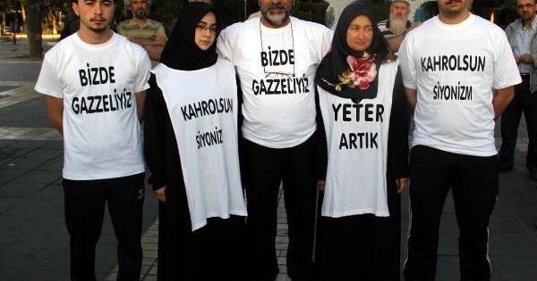 İsrail'e Tepki İçin Ailesiyle Gazze'ye Yürüyüşe Başladı