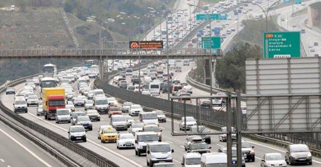 İstanbul'da yarın trafiğe kapatılacak yollar