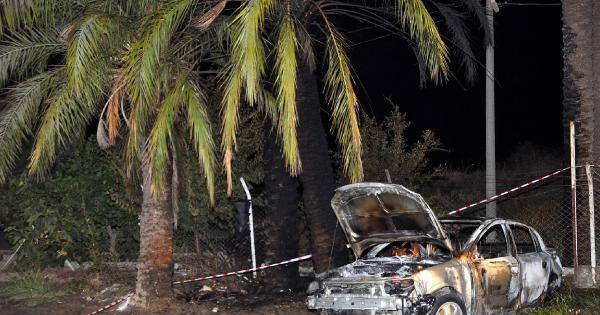 Kaza Yapan Aracın İçinde Yanarak Öldü