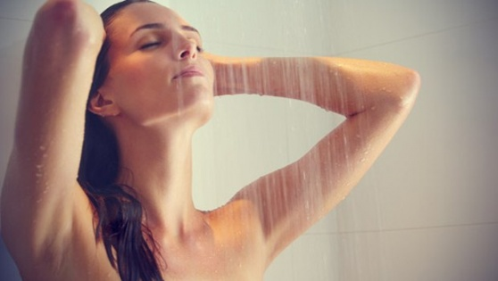 Kızları Duşta Röntgenleyebilirsiniz