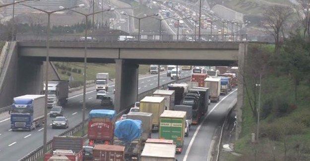 Köprü trafiğini felç eden kaza: 1 ölü