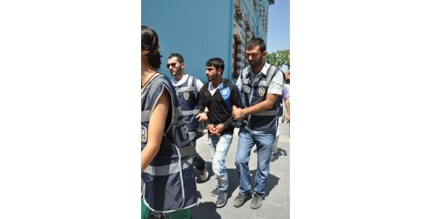 Kütahya'da Ana-oğul Uyuşturucudan Yakalandı