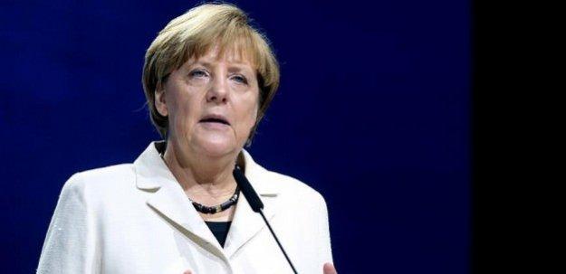 Merkel ABD'den yardım istedi