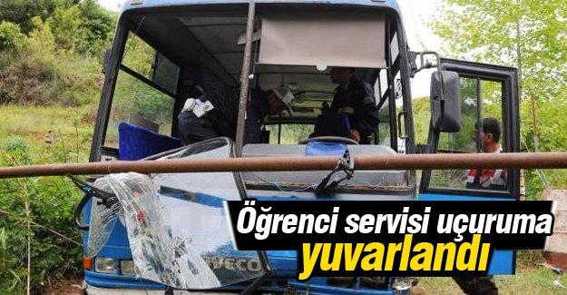 Mersin'de öğrenci otobüsü yuvarlandı