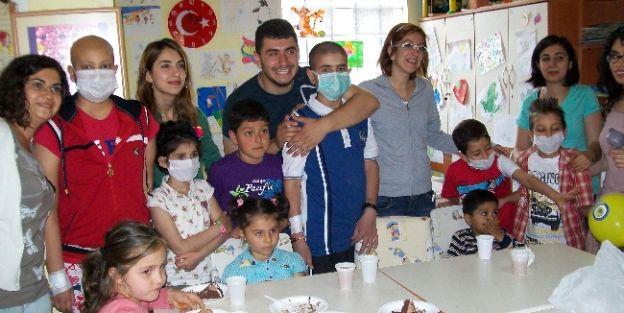 Meü Kan Bağışı Gönüllüleri Lösemili Çocuklarla Buluştu