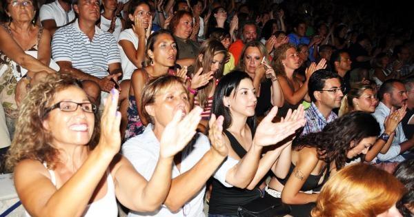 Mfö İle Bodrum'da Nostalji Gecesi