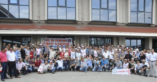 Mondelez Şekerleme Fabrikası'nda 800 İşçi Greve Çikti