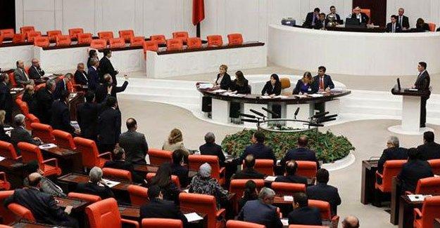 Muhalefet AK Parti'yi Çiçek'e şikayet etti