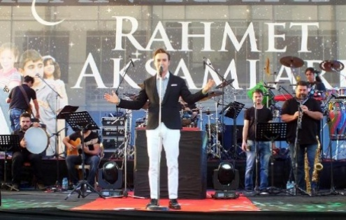 Mustafa Ceceli'den, Konya'da İlahi Konseri