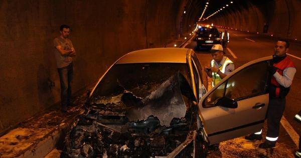 Otomobil Bolu Dağı Tüneli'nde Yandı