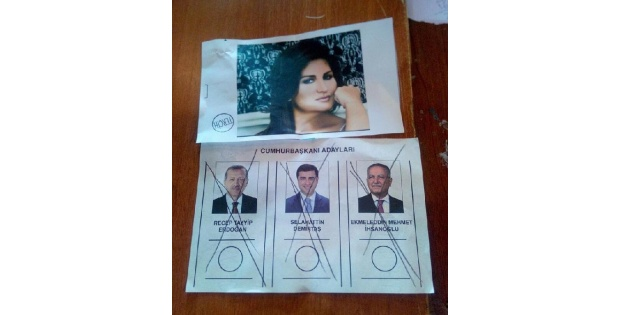 Oy Zarfından Sibel Can'ın Fotoğrafı Çikti