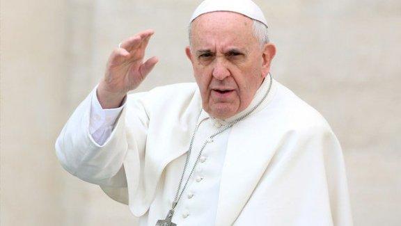 Papa'dan Şaşırtan sözler: 'Adem bile kadını...'