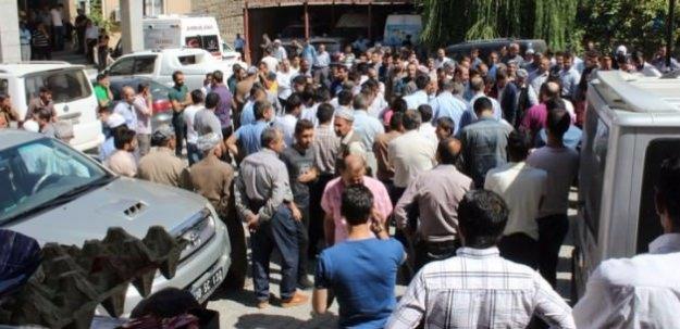 PKK'lılar Ak Partili yöneticinin aracını taradı