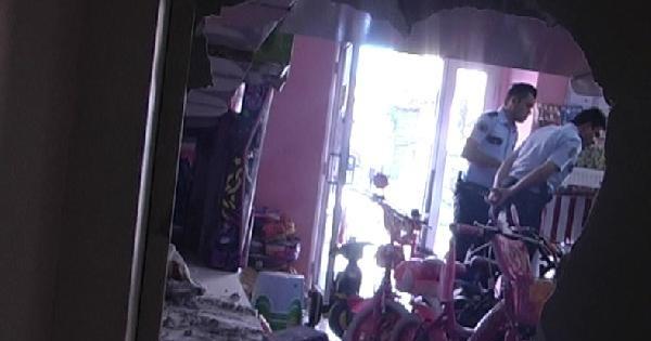 520 Saatlik Kamera Görüntüsü Tarayarak Hırsızları Yakaladı