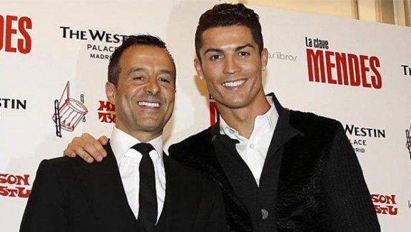 Ronaldo ada hediye etti