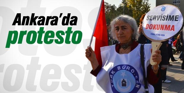 Servislerin kaldırılması protesto edildi