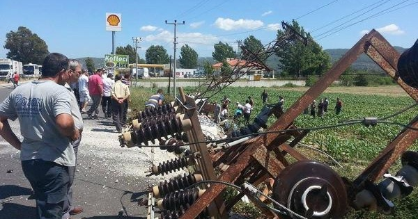 Şoför Uyuklayınca Öğrencileri Taşıyan Minibüs Devrildi: 12 Yaralı